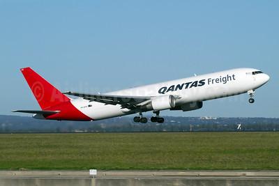 QANTAS Freight-Express Freighters Australia Boeing 767-381F ER VH-EFR (msn 33510) SYD (Micheil Keegan). Image: 907902.