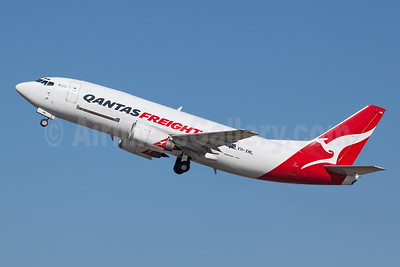 QANTAS Freight-Express Freighters Australia Boeing 737-376 (F) VH-XML (msn 23486) SYD (John Adlard). Image: 940839.