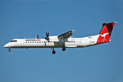 QANTAS Link-Sunstate Airlines Bombardier DHC-8-402 (Q400) VH-QOC (msn 4117) SYD (John Adlard). Image: 902193.