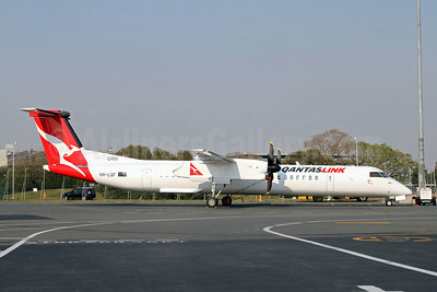 QANTAS Link-Sunstate Airlines Bombardier DHC-8-402 (Q400) VH-LQF (msn 4375) BNE (Peter Gates). Image: 907372.