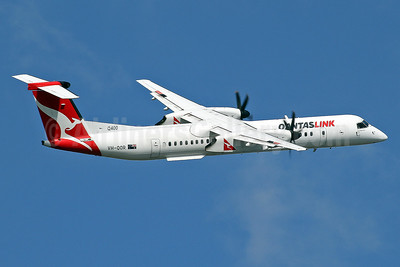 QANTAS Link-Sunstate Airlines Bombardier DHC-8-402 (Q400) VH-QOR (msn 4241) SYD (Keith Burton). Image: 934956.