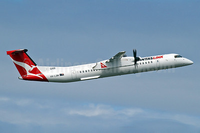 QANTAS Link-Sunstate Airlines Bombardier DHC-8-402 (Q400) VH-LQM (msn 4450) SYD (Keith Burton). Image: 922311.