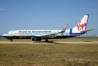 """Virgin Blue's """"Head to Queensland"""" logo jet"""