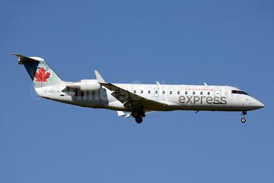 Air Canada Express-Air Georgian Bombardier CRJ200 (CL-600-2B19) C-GZJA (msn 8018) YYZ (Jay Selman). Image: 403780.