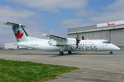 Air Canada Express-Jazz Aviation Bombardier DHC-8-301 Dash 8 (Q300) C-GKTA (msn 124) YVR (Ton Jochems). Image: 913259.