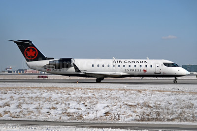 Air Canada Express-Jazz Aviation Bombardier CRJ200 (CL-600-2B19) C-FIJA (msn 7987) YYZ (TMK Photography). Image: 949230.