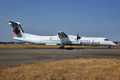 Air Canada Express-Jazz Aviation Bombardier DHC-8-402 (Q400) C-FSRY (msn 4174) SEA (Bruce Drum). Image: 104690.