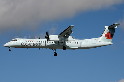 Air Canada Express-Jazz Aviation Bombardier DHC-8-402 (Q400) C-GGOY (msn 4365) YYZ (Jay Selman). Image: 403689.