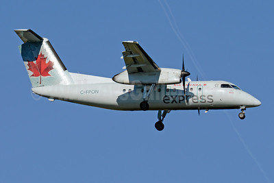 Air Canada Express-Jazz Aviation Bombardier DHC-8-102 Dash 8 C-FPON (msn 171) YYZ (Jay Selman). Image: 403697.