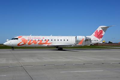 Air Canada Jazz (Jazz Air) Bombardier CRJ200 (CL-600-2B19) C-GZJA (msn 8018) YVR (Ton Jochems). Image: 920046.