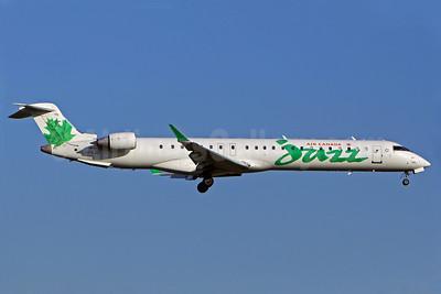 Air Canada Jazz (Jazz Air) Bombardier CRJ705 (CL-600-2D15) C-FKJZ (msn 15044) YUL (Gilbert Hechema). Image: 903871.
