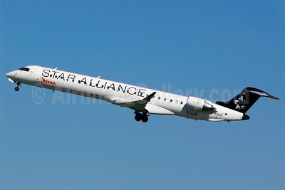 Air Canada Jazz (Jazz Air) Bombardier CRJ705 (CL-600-2D15) C-FUJZ (msn 15048) (Star Alliance) YUL (Gilbert Hechema). Image: 905311.