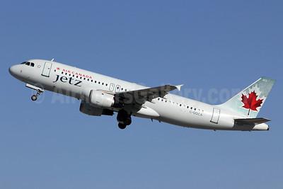 Air Canada Jetz (Air Canada) Airbus A320-211 C-GQCA (msn 210) LAX (Michael B. Ing). Image: 907603.