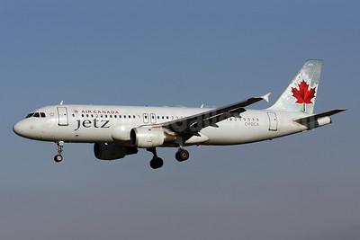 Air Canada Jetz (Air Canada) Airbus A320-211 C-FDCA (msn 232) BWI (Brian McDonough). Image: 908020.