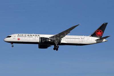 Air Canada Boeing 787-9 Dreamliner C-FSBV (msn 37182) LHR (SPA). Image: 940959.