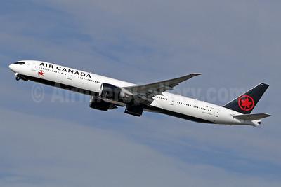 Air Canada Boeing 777-333 ER C-FIVX (msn 42219) LHR (SPA). Image: 943795.