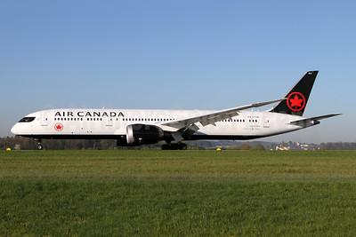 Air Canada Boeing 787-9 Dreamliner C-FSBV (msn 37182) ZRH (Andi Hiltl). Image: 941670.