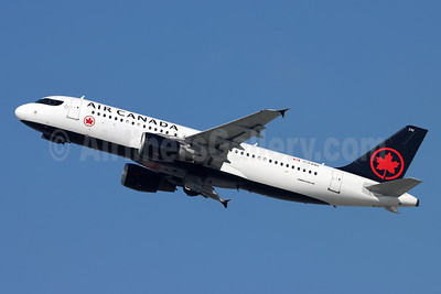 Air Canada Airbus A320-214 C-FZQS (msn 2145) LAX (Michael B. Ing). Image: 949759.