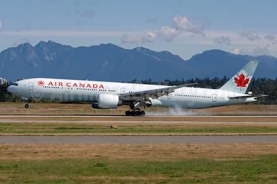Air Canada Boeing 777-333 ER C-FIVQ (msn 35240) YVR (Chris Sands). Image: 927234.