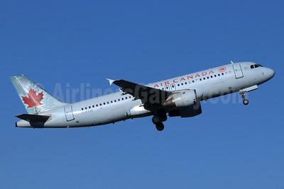 Air Canada Airbus A320-211 C-FTJS (msn 253) SEA (Michael B. Ing). Image: 953999.