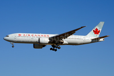 Air Canada Boeing 777-233 LR C-FIUA (msn 35239) LAX (Jay Selman). Image: 403671.