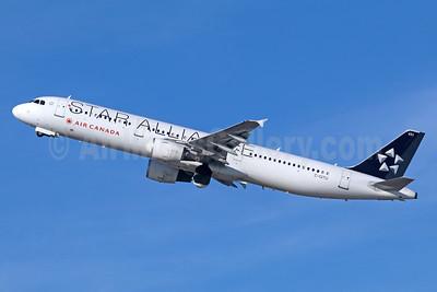 Air Canada Airbus A321-211 C-GITU (msn 1602) (Star Alliance) LAX (Michael B. Ing). Image: 936407.