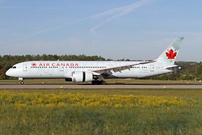 Air Canada Boeing 787-9 Dreamliner C-FNOG (msn 35266) ZRH (Andi Hiltl). Image: 937817.