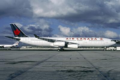 Air Canada Airbus A340-313 C-FYLC (msn 167) CDG (Christian Volpati). Image: 950173.