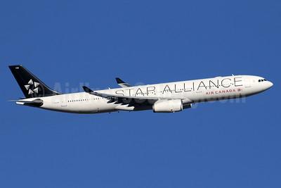Air Canada Airbus A330-343 C-GHLM (msn 419) (Star Alliance) LHR (SPA). Image: 935862.