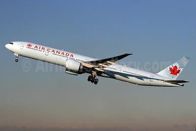 Air Canada Boeing 777-333 ER C-FNNU (msn 43249) LHR (SPA). Image: 936403.