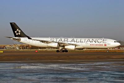 Air Canada Airbus A340-312 C-FDRO (msn 048) LHR (SPA). Image: 940193.