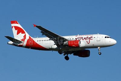 Air Canada rouge (Air Canada) Airbus A319-112 C-GITR (msn 1577) YYZ (TMK Photography). Image: 942738.