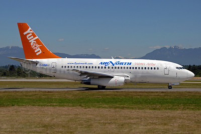 Air North-Yukon's Airline (Canada) Boeing 737-201 C-GNAU (msn 21817) YVR (Royal S. King). Image: 900625.