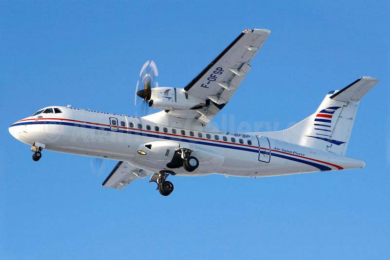 Air Saint-Pierre ATR 42-500 F-OFSP (msn 801) YUL (Gilbert Hechema). Image: 904352.