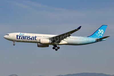 "Air Transat's 2017 ""30 Years Ans"" logo jet"
