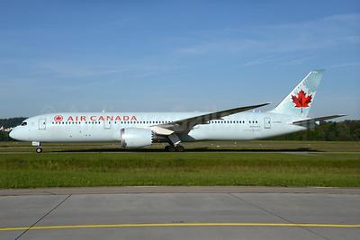 Air Canada Boeing 787-9 Dreamliner C-FNOI (msn 35268) ZRH (Rolf Wallner). Image: 933084.