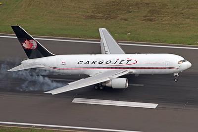 Cargojet Airways Boeing 767-223 (F) C-FMCJ (msn 22316) CGN (Rainer Bexten). Image: 941802.