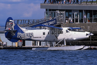 Harbour Air de Havilland Canada DHC-3 Turbo Otter C-GHAG (msn 214) (Victoria Royals) YHC (Rob Rindt). Image: 923899.