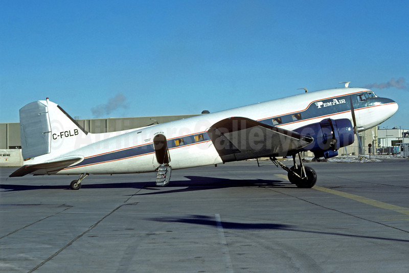 Pem-Air Douglas DC-3A C-FGLB (msn 1547) YYZ (Christian Volpati Collection). Image: 920929.