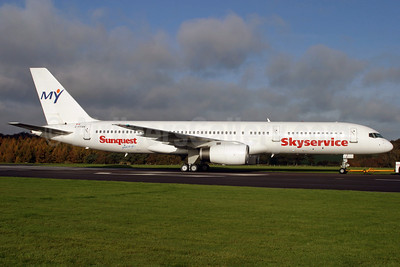 Skyservice Airlines Boeing 757-21K C-FFAN (msn 28674) (Sunquest Vacations) QLA (Antony J. Best). Image: 904311.