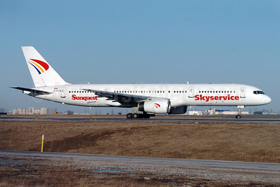 Skyservice Airlines Boeing 757-21K C-FFAN (msn 28674) (Sunquest Vacations) YYZ (TMK Photography). Image: 902484.