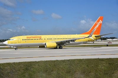 Sunwing Airlines Boeing 737-8K5 SSWL C-FTUA (msn 37245) (TUIfly colors) FLL (Bruce Drum). Image: 104604.