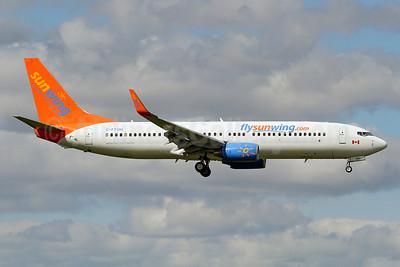 Sunwing Airlines (flysunwing.com) Boeing 737-8HX WL C-FTOH (msn 29647) YYZ (Keith Burton). Image: 912649.