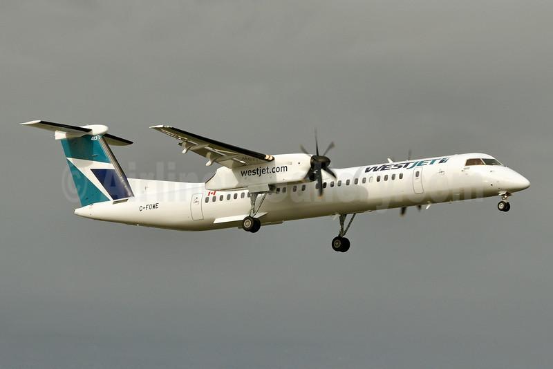 WestJet Encore Bombardier DHC-8-402 (Q400) C-FOWE (msn 4471) YYC (Tony Storck). Image: 923855.