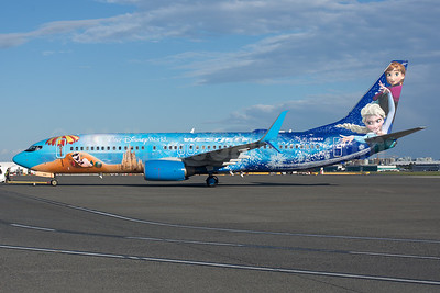 WestJet Airlines Boeing 737-8CT SSWL C-GWSV (msn 37158) (Walt Disney World - Frozen) YVR (Rob Rindt). Image: 934210.