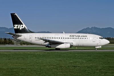 Zip Air (4321zip.com) (Air Canada) Boeing 737-217 C-GCPZ (msn 22658) YYZ (Rob Rindt). Image: 947674.