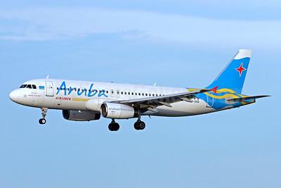 Aruba Airlines Airbus A320-232 P4-AAD (msn 805) MIA (Brian McDonough). Image: 936315.