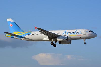Aruba Airlines Airbus A320-232 P4-AAD (msn 805) MIA (Jay Selman). Image: 402741.