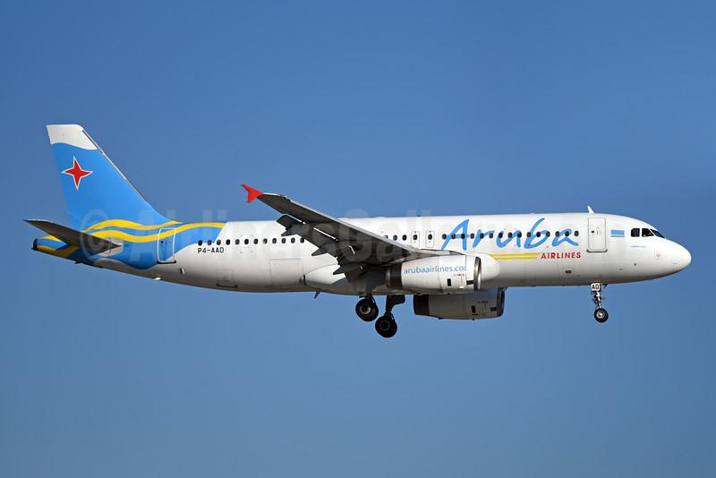 Aruba Airlines Airbus A320-232 P4-AAD (msn 805) MIA (Bruce Drum). Image: 104300.