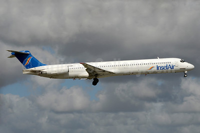 InselAir (Aruba) McDonnell Douglas DC-9-83 (MD-83) P4-MDI (msn 49847) MIA (Jay Selman). Image: 403369.